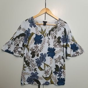 Ann Taylor bell sleeve top size S  -C5